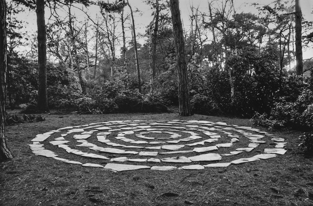 SIX STONE CIRCLES London 1981